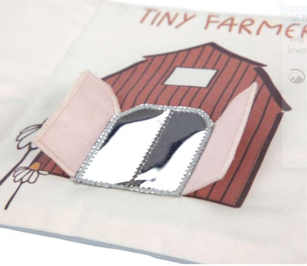 Bilde av Activity Soft Toy Book, Tiny